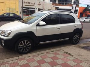 Toyota Etios Cross 5p