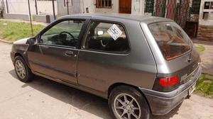 Vendo Clio 96 Nafta Solo Motor Frances