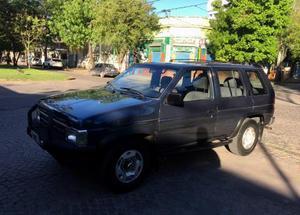 Nissan Pathfinder 2.4 Nafta usado  kms