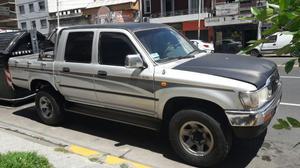 Toyota Hilux 4x Srv