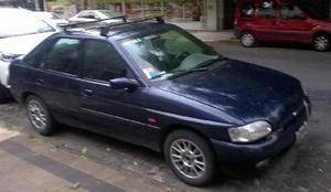 Ford Escort Ghia TDi 5P usado  kms