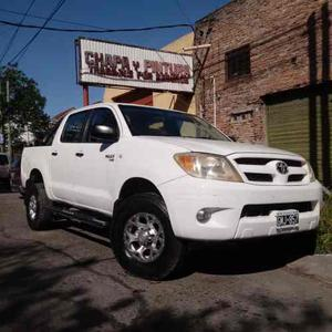Excelente 4x4 Toyota Hilux