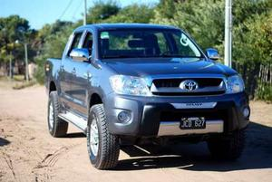Toyota Hilux 2.5 Dx Pack Cab Doble 4x)