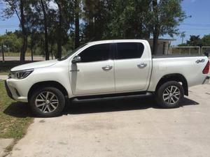 Toyota Hilux 2.8 Cd Srx I 177cv 4x4 At