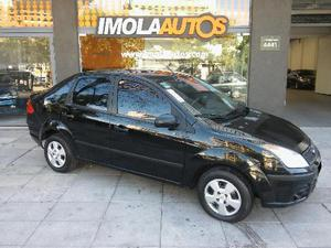 Ford Fiesta Max Ambiente Plus 1.6L usado  kms