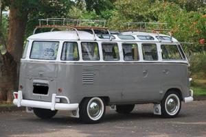 Volkswagen Kombi Kombi usado  kms
