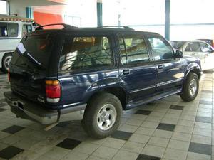 Ford Explorer XLT 4x4 usado   kms