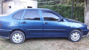 Volkswagen Polo Comfortline AQ usado  kms