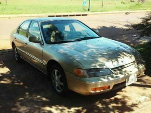 Vendo Honda Accord 98
