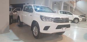 Toyota Hilux Sr 4x4 0km