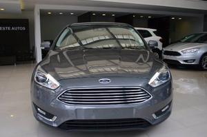 Ford Focus III Titanium AT 2.0L Duratec