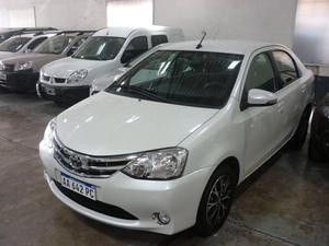 Toyota Etios Platinum 4p AT