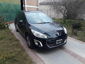 Particular Vendo Peugeot 308 Allure con Navegador Nafta año
