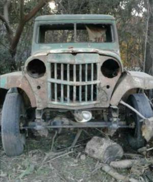 Baqueano Willys Overland Doble Tracción