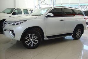 Toyota Hilux Sw4 srx 2.8 tdi 6a/t 7as 4x4