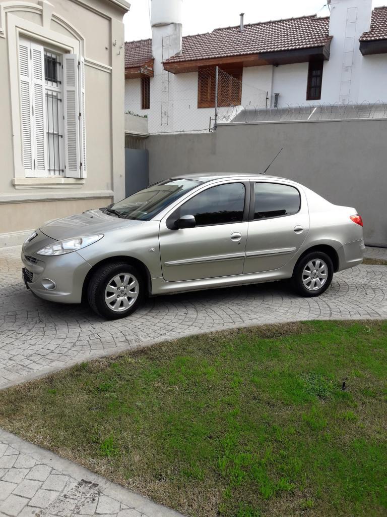 Peugeot 207 compact xs  gnc