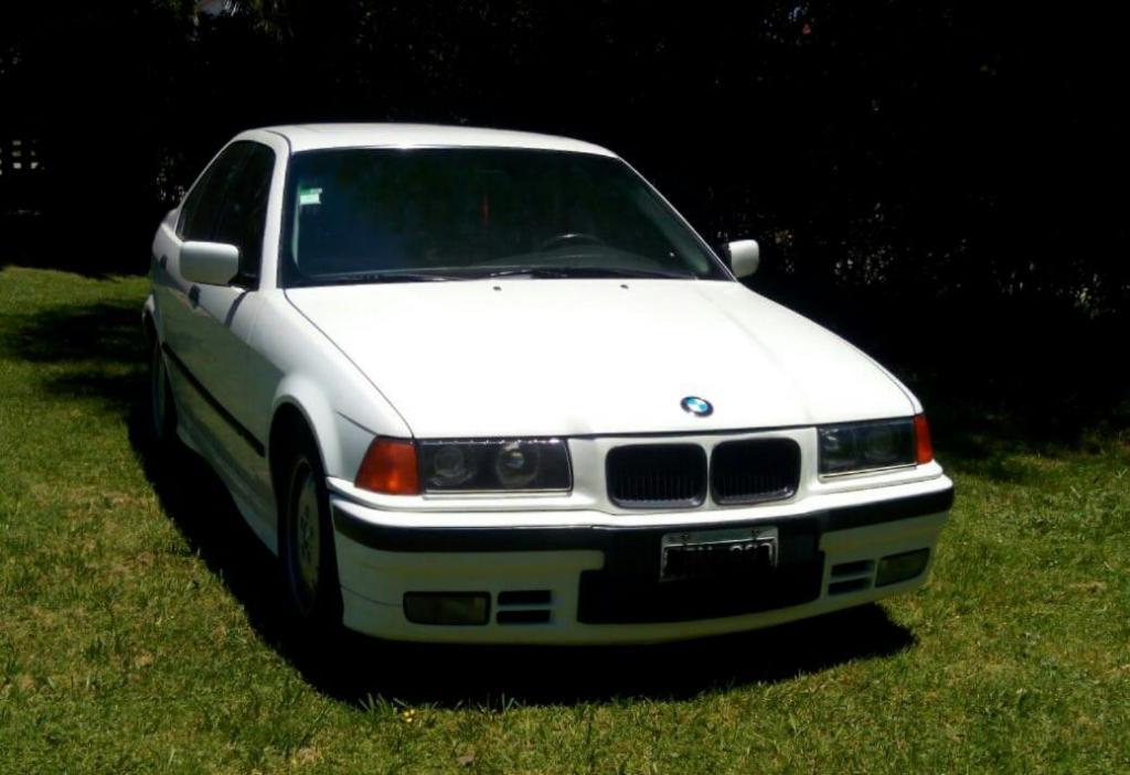 BMW EXCELENTE ESTADO