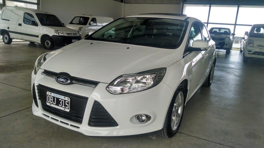 Ford Focus 2.0 SE Plus At 5p.  Impecable, km.