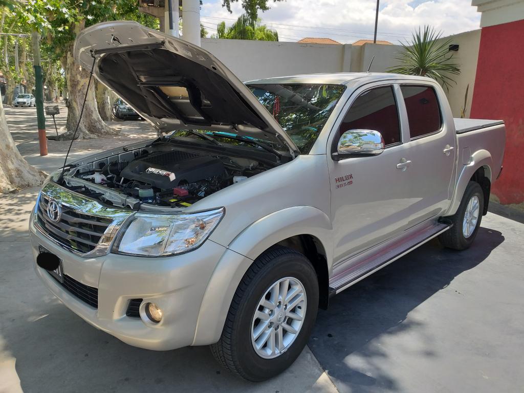 Toyota Hilux Srv 3.0 4x2 Cuero