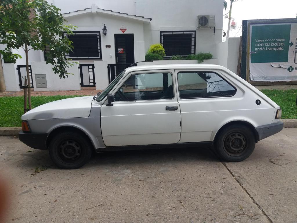 FIAT 147 blanco