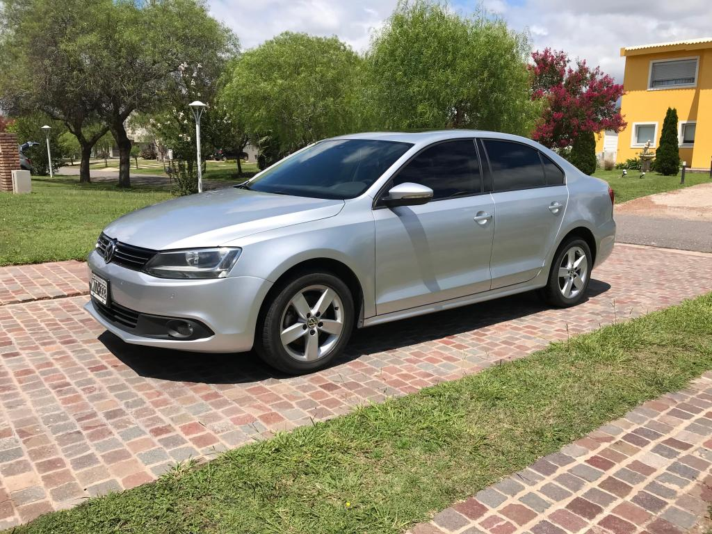 VW Vento 25 Luxury