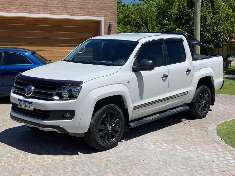 | Volkswagen Amarok 2.0 Tdi 180 Hp 6Mt 4X4 Dark Label