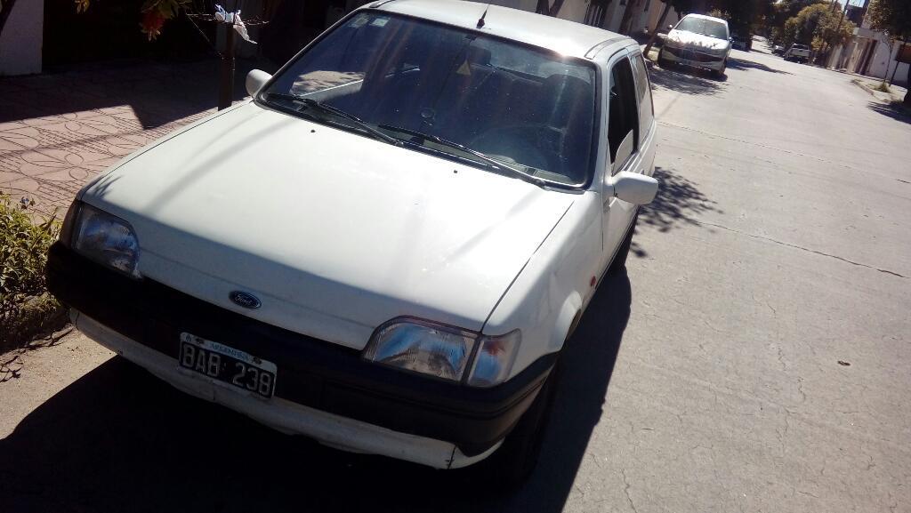 Ford Fiesta 96 con Gnc