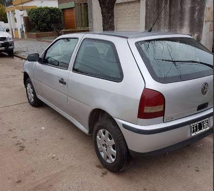 Volkswagen Gol 1.6 3 Puertas Base Plateado km