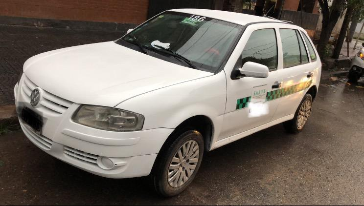 Liquido Taxi de Yerba Buena con Licencia Gol Power , con