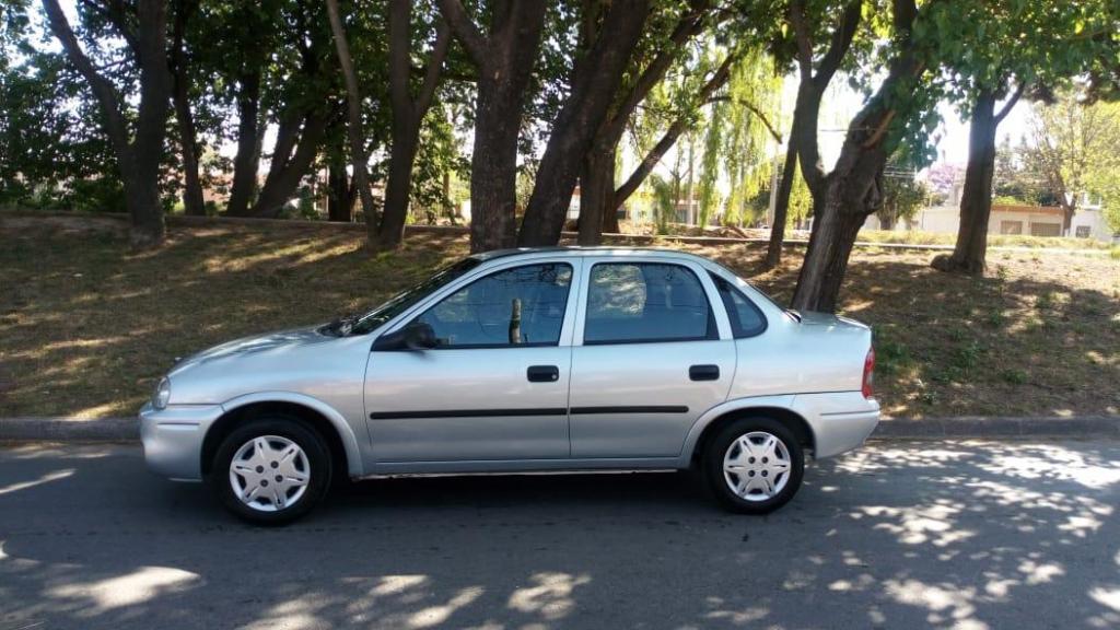 Chevrolet Corsa Classic 4p