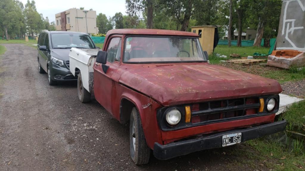 Vendo O Permuto Dodge 200