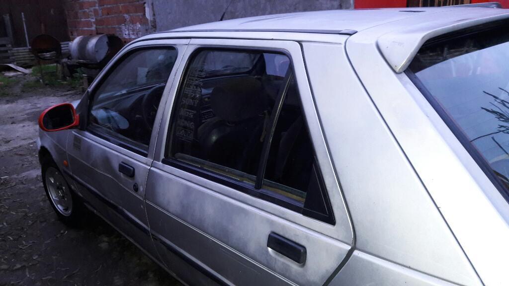 Vendo O Permuto Ford Fiesta