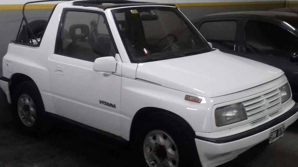 Suzuki Vitara 4x4 aire direcc alza crist. Permutas Up Motors