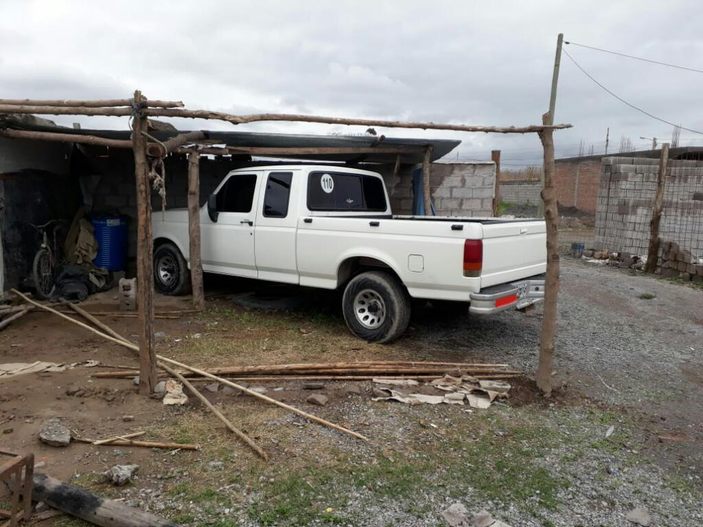 Vendo Ford F100 Supecab