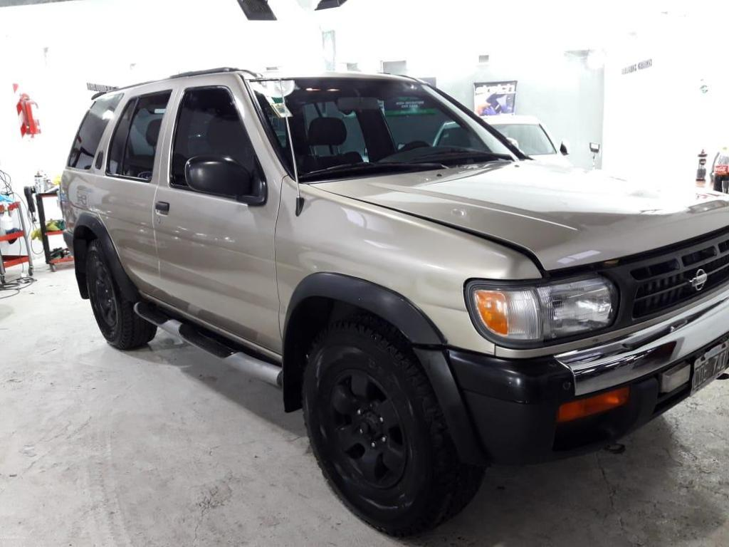 Nissan Pathfinder  impecable 4x4 GNC impecable