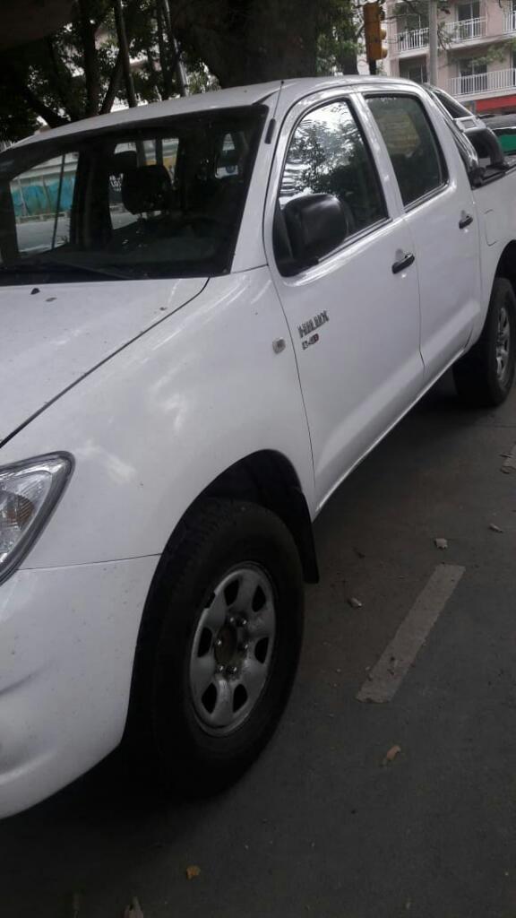 Camioneta Toyota Hilux  Doble Cabina