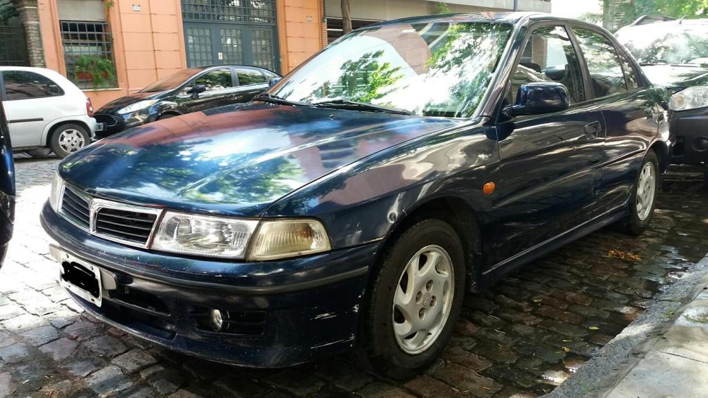 Mitsubishi Lancer  GLXi. full..