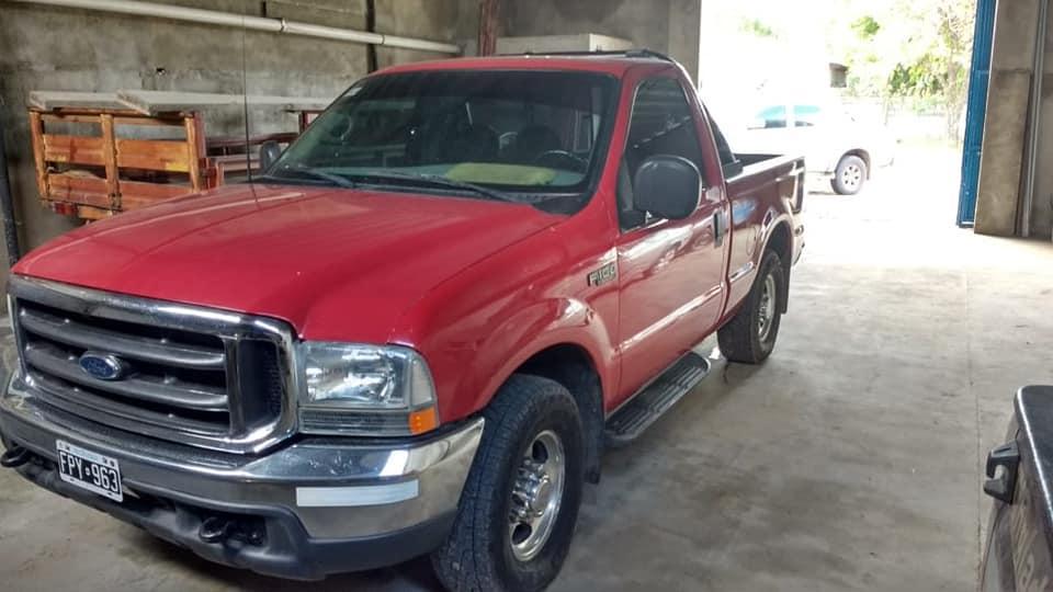 Vendo Ford F100 Duty  Xlt motor 6cilindros turbo MWM,