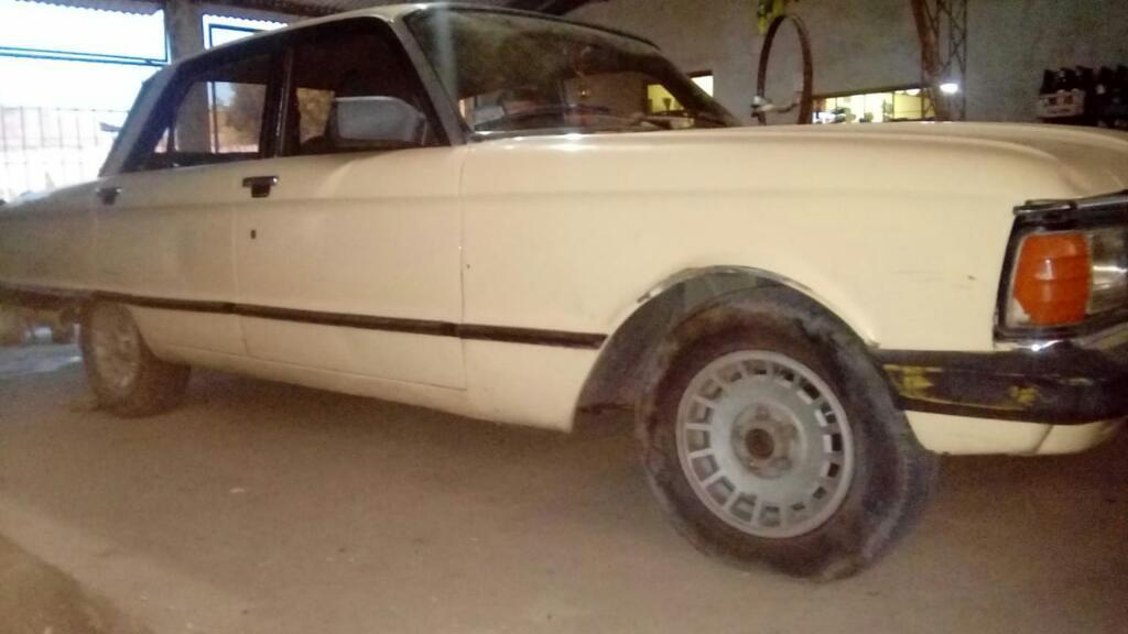 Vendo Ford Falcon Modelo 86