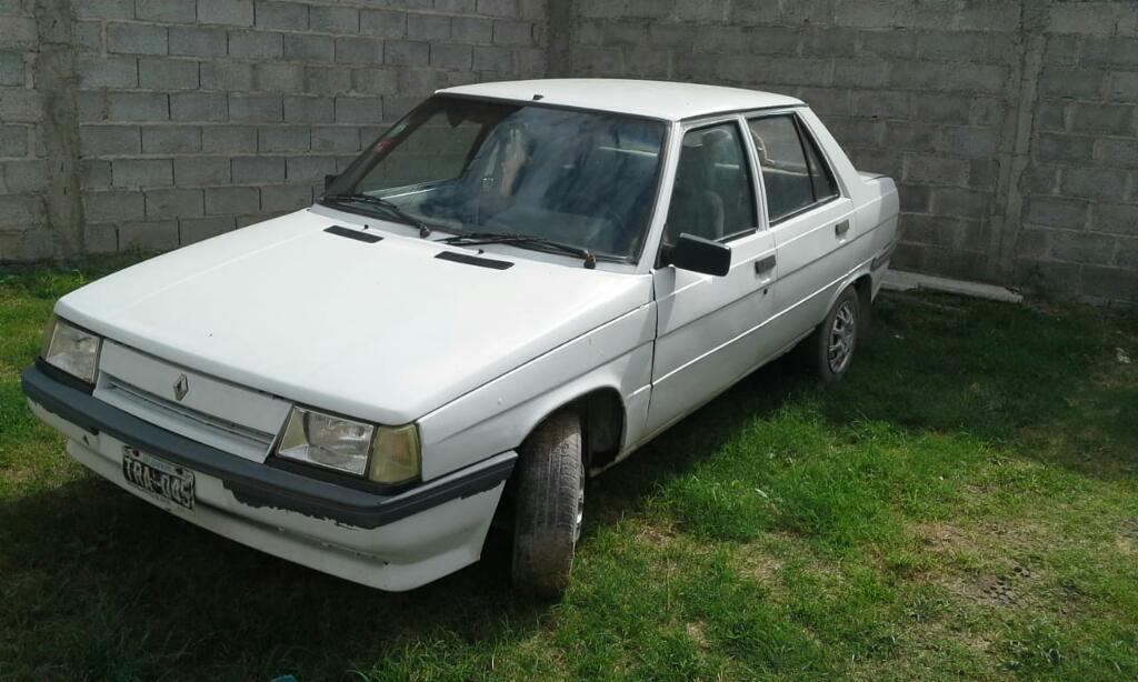 Vendo R9 Modelo 90 con Gnc