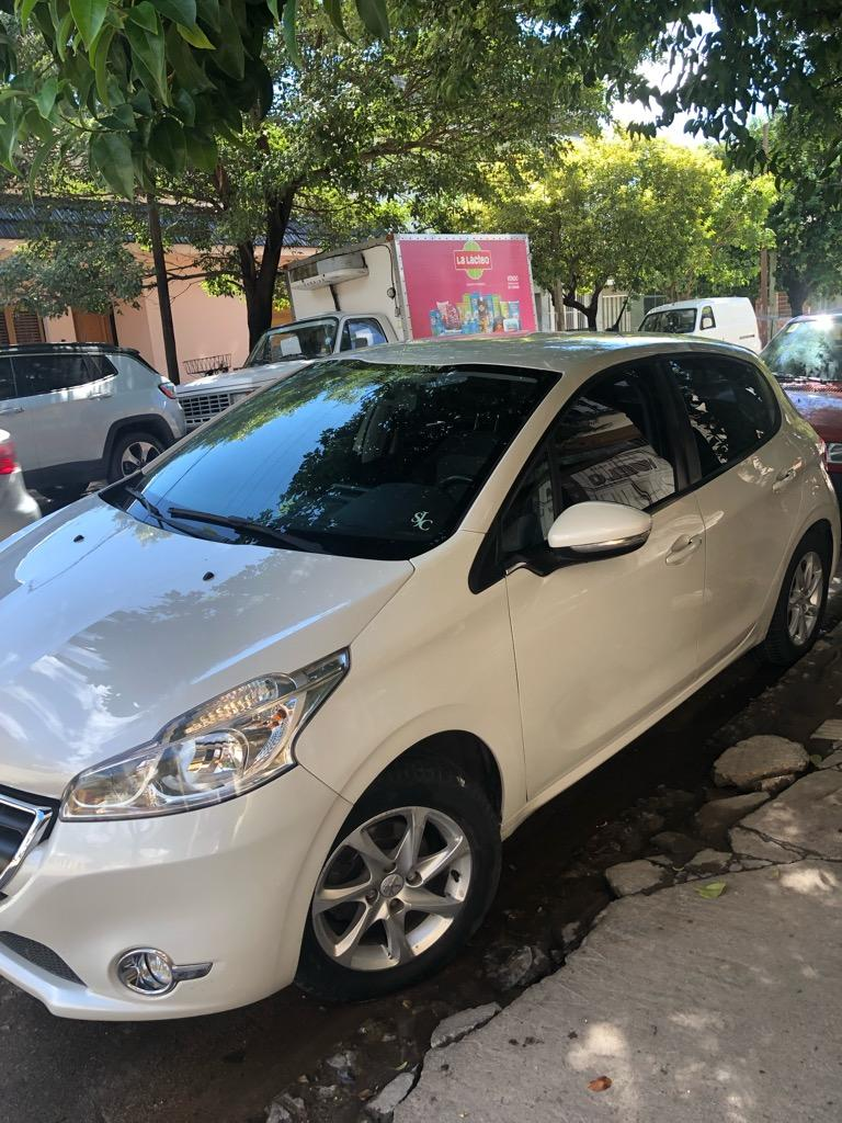 Peugeot 208 allure touch