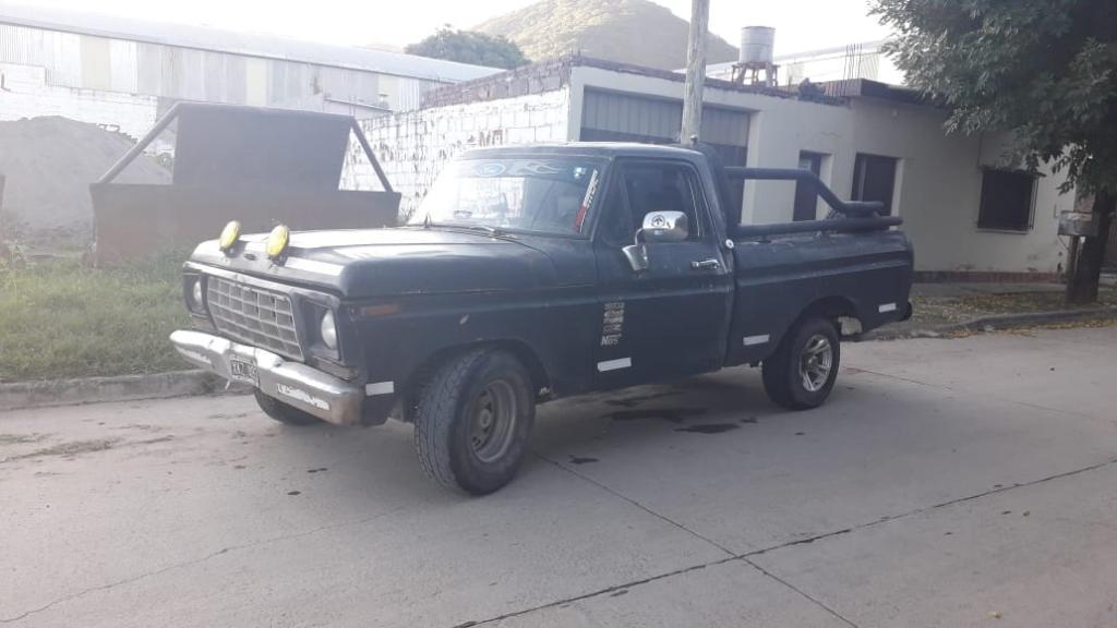 Camioneta Ford V 8