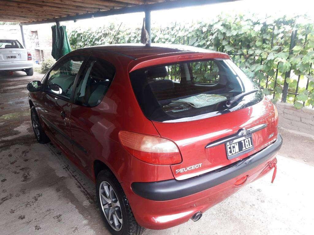 Vendo Peugeot 206 Mod  Solo Naft