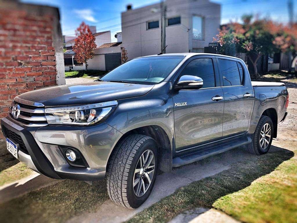 Vendo Toyota Hilux 4X4 Srx. Impecable!
