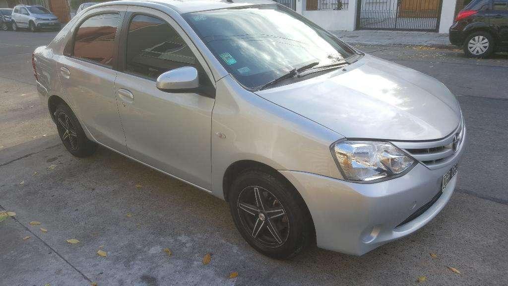 Toyota Etios 1.5 Xs Nafta Y Gnc Titular