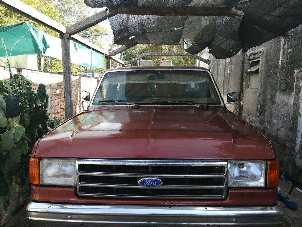 Ford F100 con Gnc para 250km