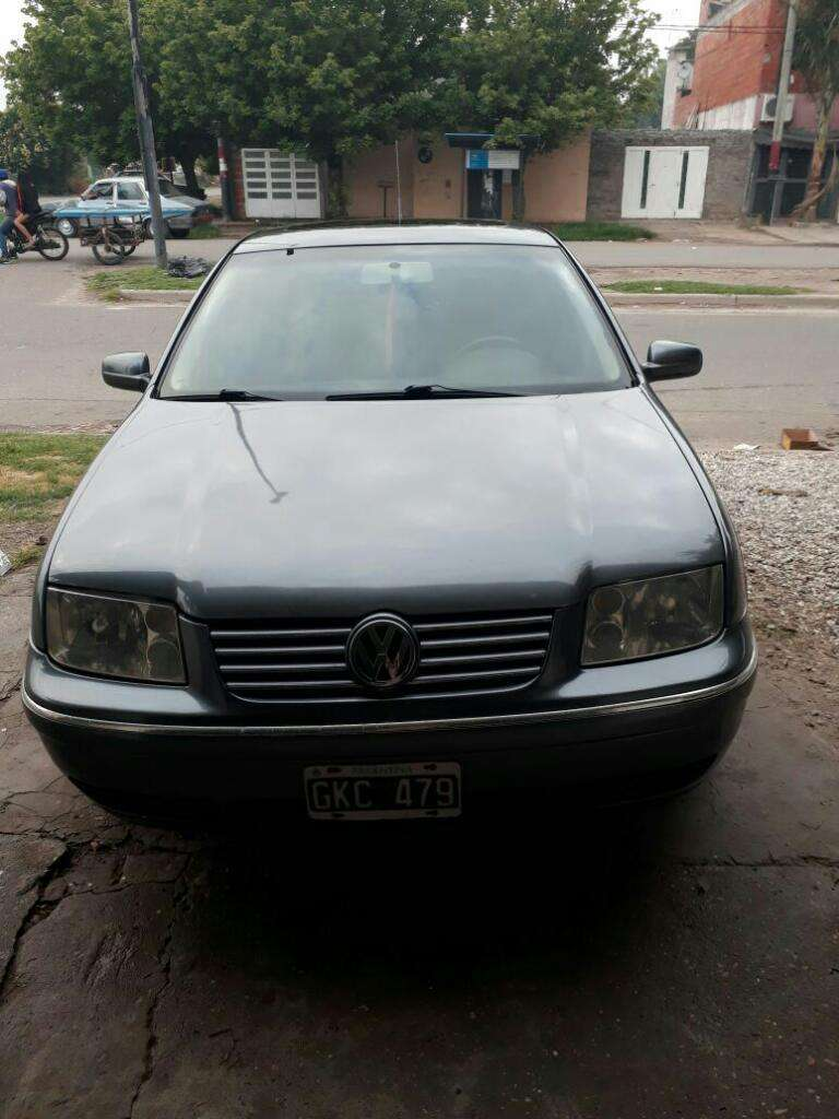 Vendo O Permuto Bora 1.8turbo Flamante