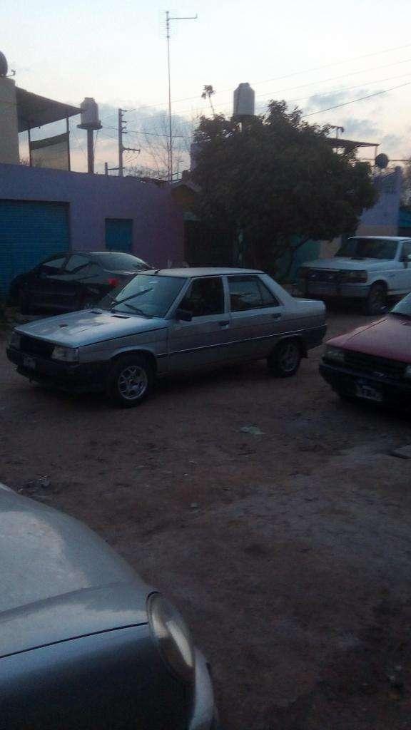 Renault 9 nafta gnc