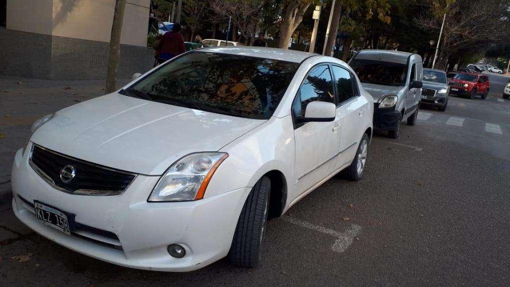 Nissan Sentra automático ACENTA