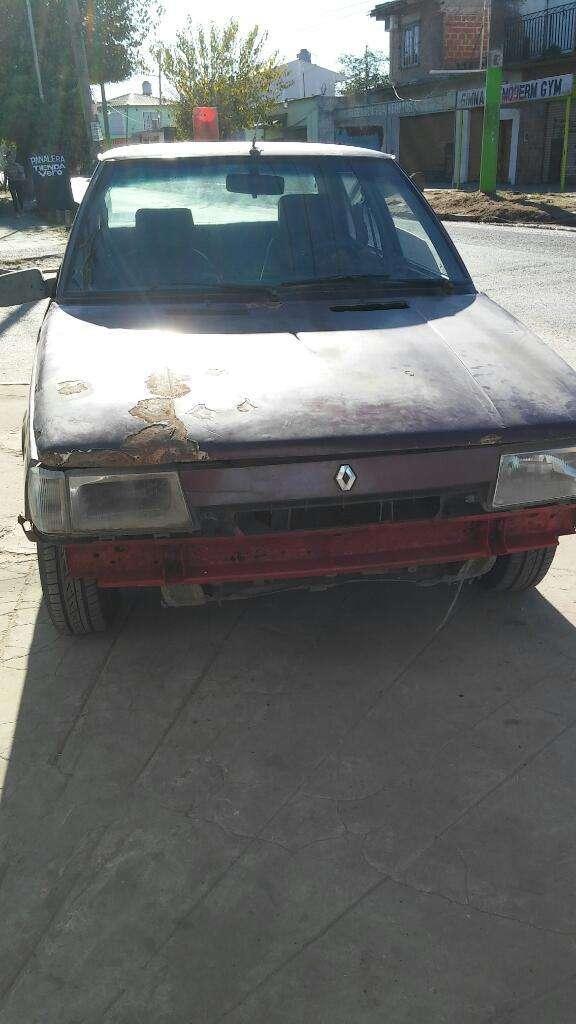 Permuto Renault 9 sin Gas